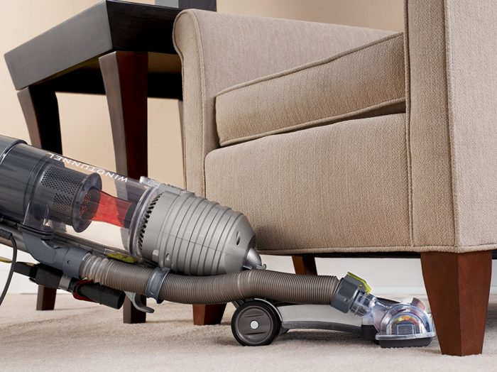 Hoover UH70400 WindTunnel Air Bagless Vacuum under $200